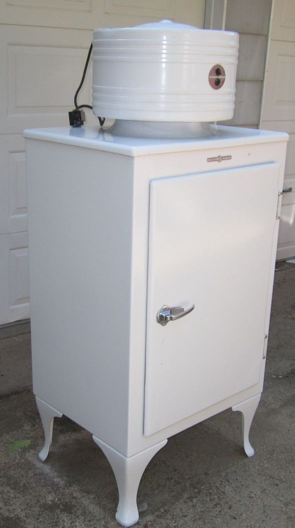 GE Monitor Refrigerator